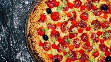 Pizza c/ Borda Recheada - Pizzaria Antártico - Pizzaria Delivery no Jd. do Mar - São Bernardo do Campo (SBC)