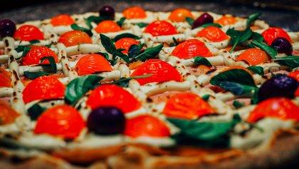 Pizza de Catupiry em Massa Especial Integral - Pizzaria Antártico - Pizzaria Delivery no Jd. do Mar - São Bernardo do Campo (SBC)
