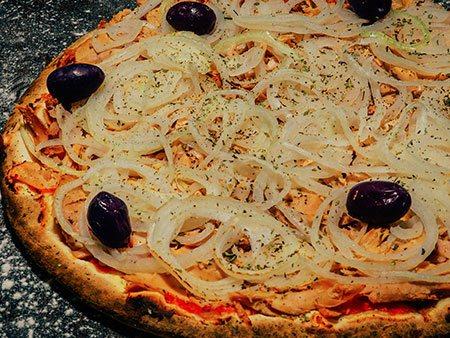 Pizza de Atum - Pizzaria Antártico - Pizzaria Delivery no Jd. do Mar - São Bernardo do Campo (SBC)